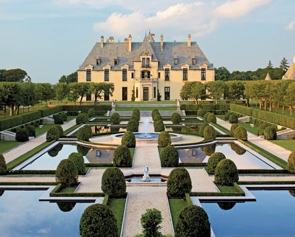 Discover Oheka Castle - Private Tour with Estate Lunch