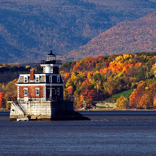 Hudson River Fall Foliage Cruise and Vintage Trolley Ride